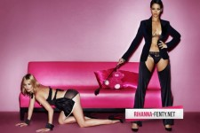 rihanna-kate-moss-topless-mario-testino-v-magazine-1-630x420