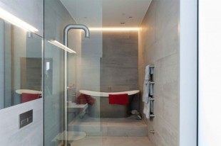This-Stunning-Water-Tower-was-Converted-into-a-Home-in-London-13-630x419