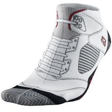 Air-Jordan-V-5-Retro-White-Fire-Red-Socks-519600-100-02