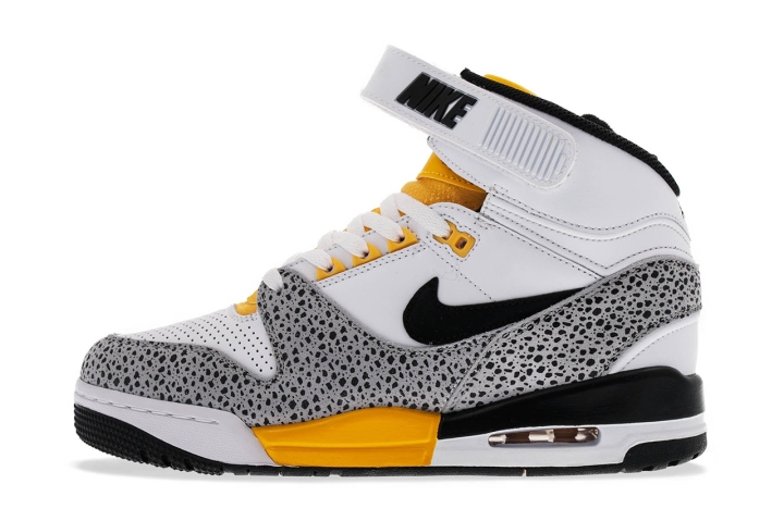nike-air-revolution-white-black-wolf-grey-university-gold-1